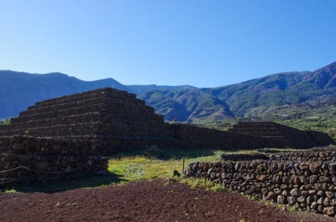 Guimar-Museum-Tenerife-pyramid-5.jpg