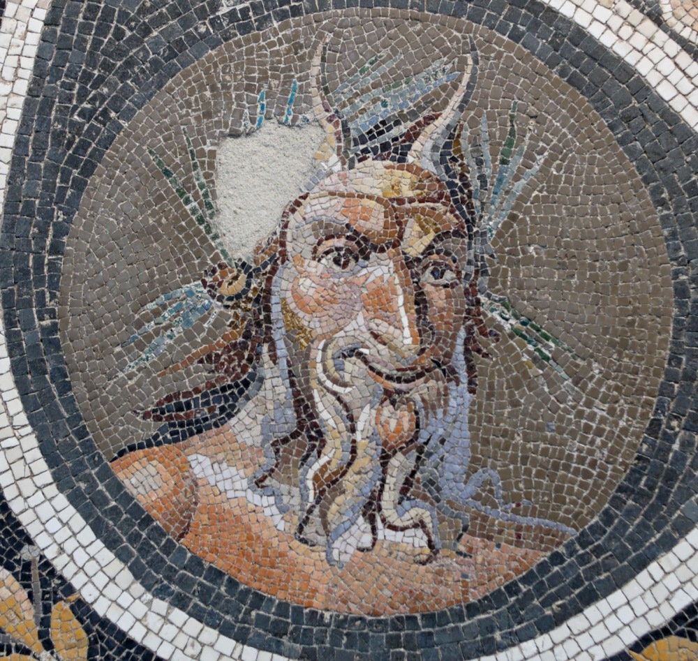 Mosaic_Pan.jpg