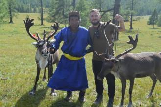 L'autore con uno Tsaagan e due renne.