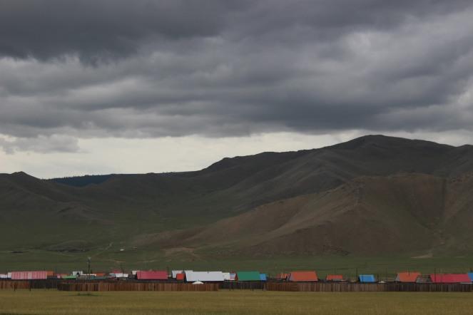 Casette tradizionali nella steppa.