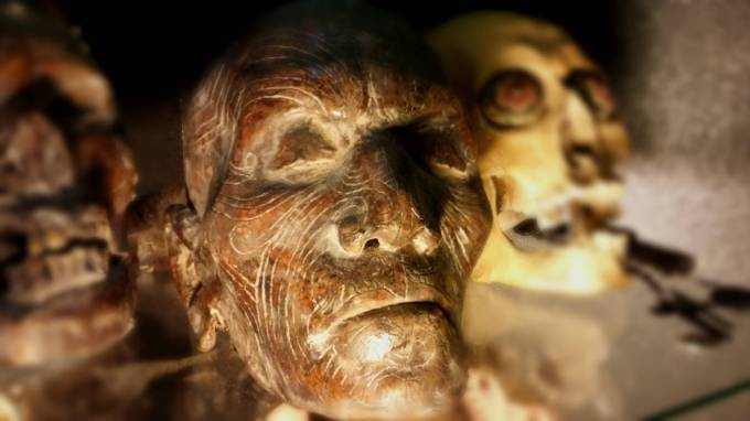 mummified_maori_skull_by_reliquaryimpressions_d8uig93-pre